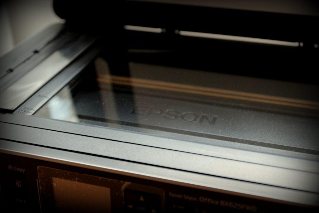 Noten scannen: Flachbettscanner / Multifunktionsgerät von Epson